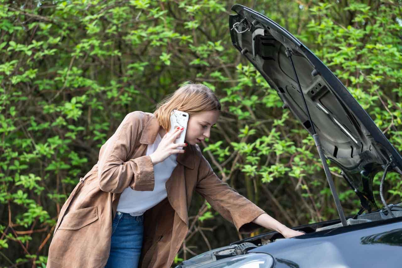 Emergency auto towing service in Carrollton